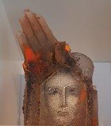 Skulptur med Hand Ansikte