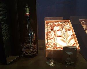 Amor Vincit Omnia Champagne Flute 2-pack - Orrefors